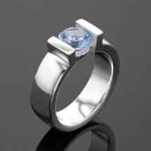 Gem ring in silver