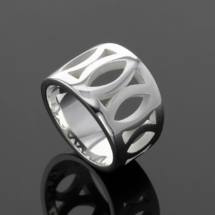Modern silver jewellery made in Mauritius