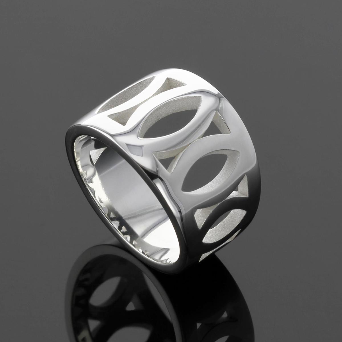 Modern silver jewellery made in Mauritius