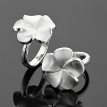 Silver hibiscus ring made in Mauritius