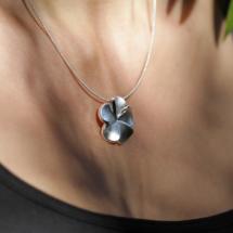 Mauritius hibiscus pendant