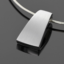 Modern and simple jewellery from Mauritius