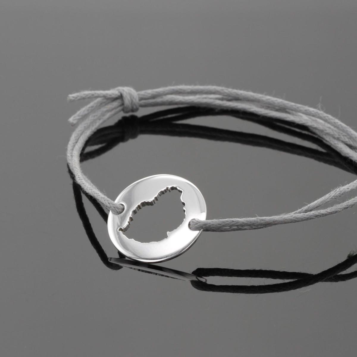 Silver jewellery souvenirs