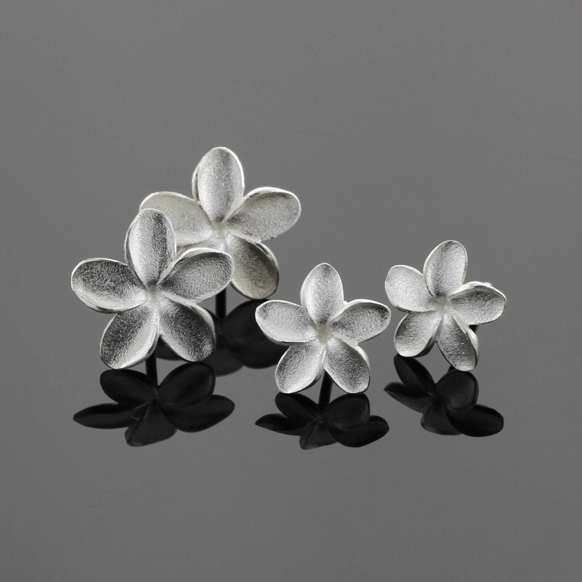 Mauritius silver frangipani earrings